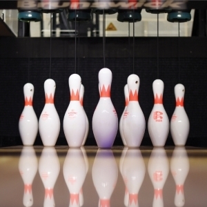 Striker Bowling Pinsetters